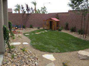 inspirational-dog-friendly-backyard-landscaping-ideas