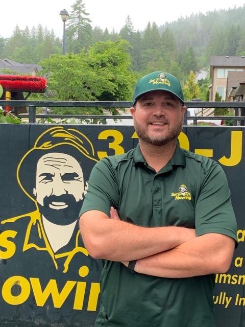 Andrew Hull Maple Ridge Lawn Mowing